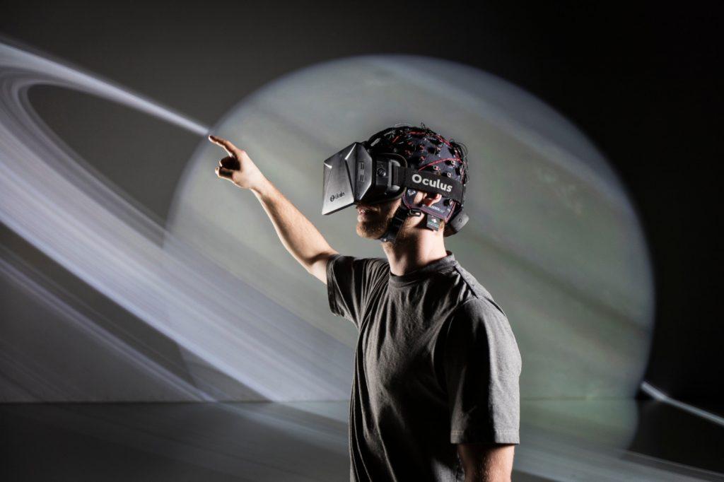 EEG recordings with virtual reality oculus headset
