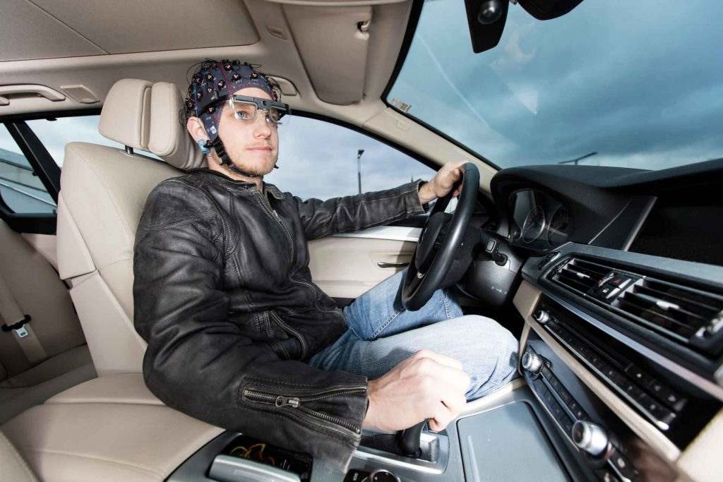 eyetracking with EEG recordings when driving a vehicle